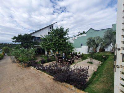 Sân vườn thiết kế chỉnh chu, đẹp