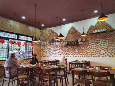 Nomad's Corner beef steat bao loc(14)