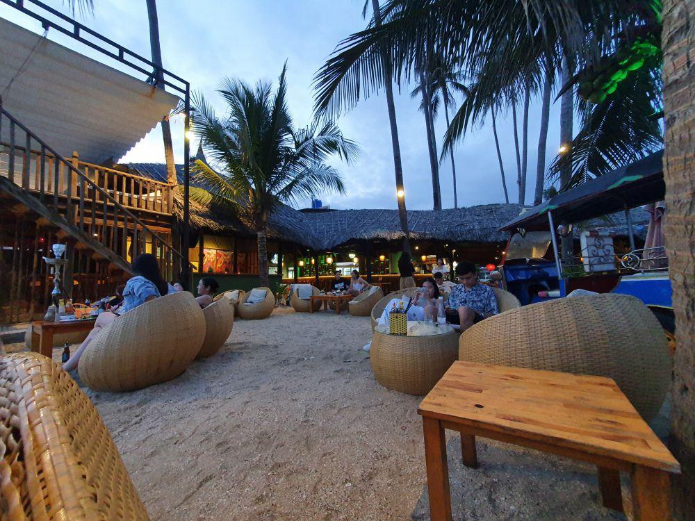 Chameleon Beach Bar 2