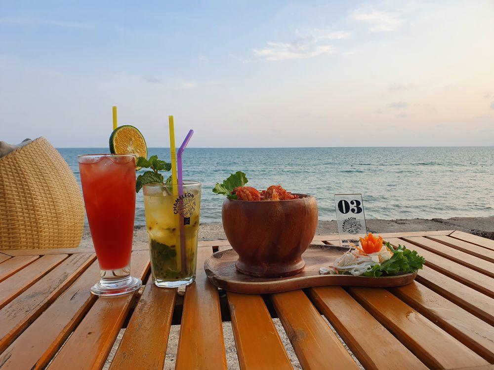 Chameleon Beach Bar 3